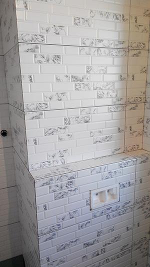ревизионный люк в ванной открытый